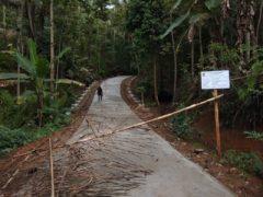 Pemdes Sidamulih Alokasikan Dana Desa untuk Rabat Beton Jalan Cibayawak